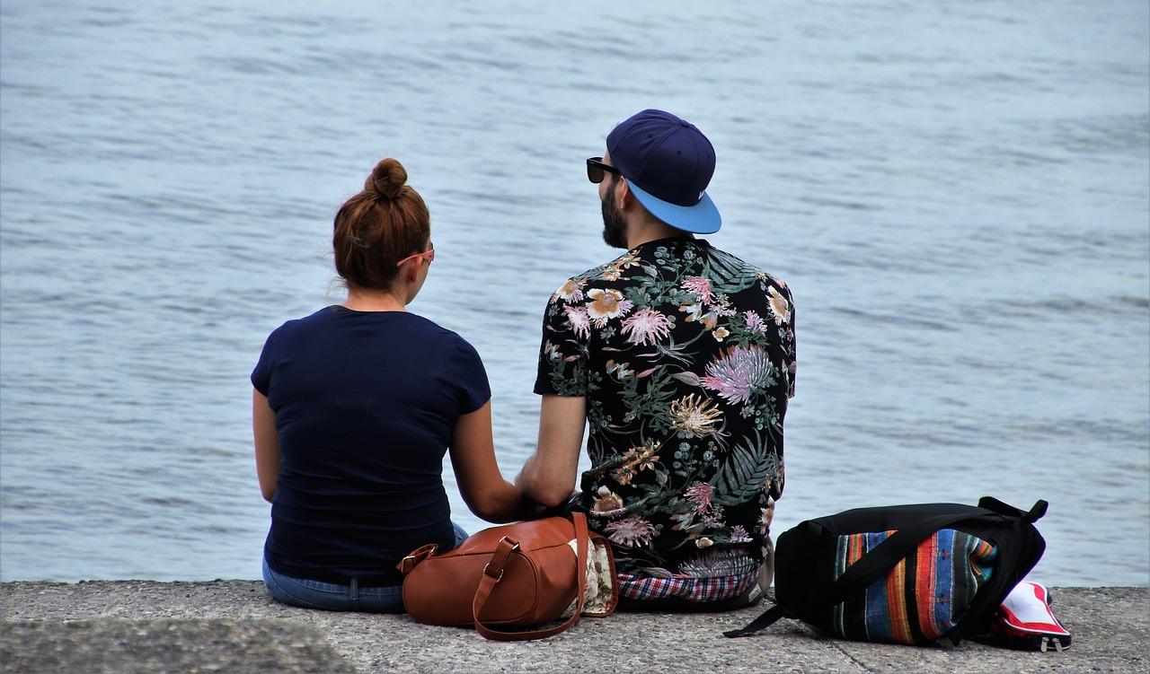 Sedící pár