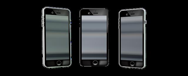 tři mobily
